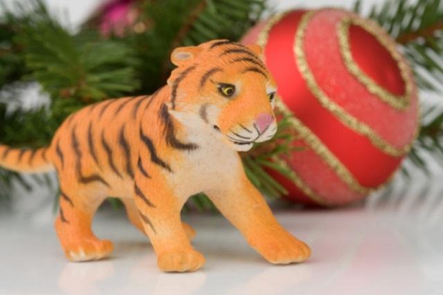 новогодний декор на год тигра