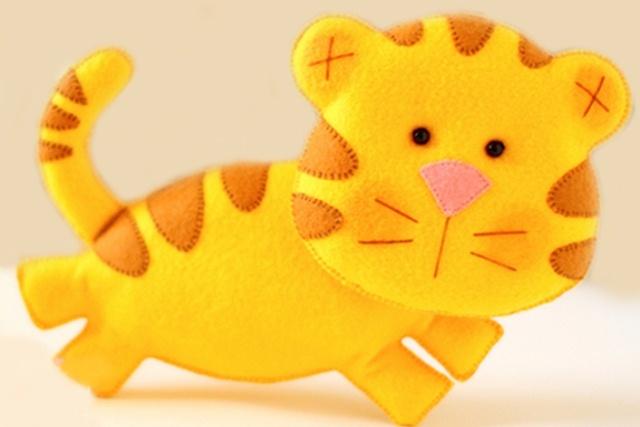 игрушка тигр из фетра